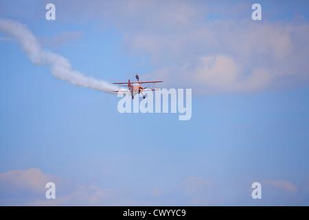 Breitling Wingwalkers, Boeing Stearman Super Flugzeug 75 Bi Modellflugzeug bei Bournemouth Air show 2012 Stockbild