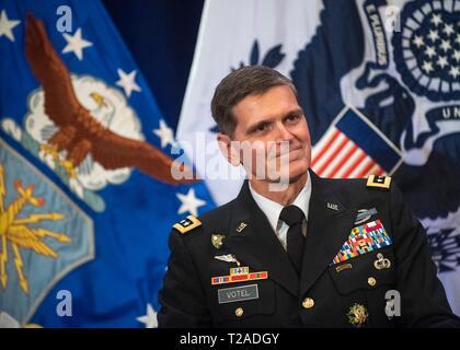 Der scheidende Kommandeur des US Central Command, General Joseph L. Votel, während seinen Ruhestand Festakt in Macdill Air Force Base, 29. März 2019 in Tampa, Florida. Votel im Ruhestand nach 39 Jahren Militärdienst. Stockbild