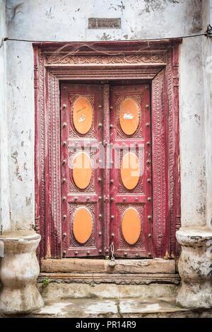 Reich verzierte Tür, Lucknow, Uttar Pradesh, Indien, Asien Stockbild