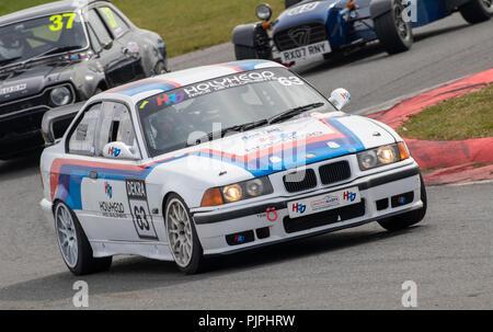 1994 BMW M3 E36, Klasse C, mit Fahrer Douglas Simmen während der cscc Rennstrecke Open Serie Rennen in Snetterton, Norfolk, Großbritannien. Stockbild