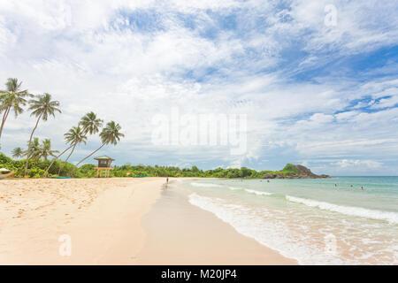 Balapitiya, Sri Lanka, Asien - Weitblick am Strand von Balapitiya Stockbild