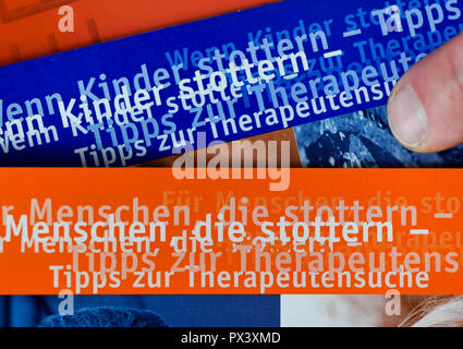 Berlin, Germany. 17th Oct, 2018. Information brochures can be found in the consultation centre 'Sprechraum', which offers advice on stuttering and other communication problems. (to 'Weekly poll World Day of Stuttering' from 20.10.2018) Credit: Jens Kalaene/dpa-Zentralbild/dpa/Alamy Live News Stockbild