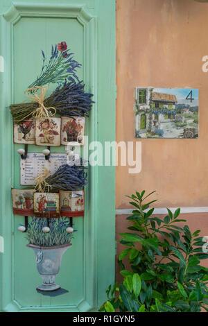 Souvenir shop in Les Mees, Lavendel, Provence, Frankreich Stockbild