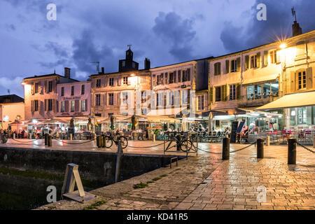 Hafen von La Flotte en Re, Restaurants, Ile de Re, Nouvelle - Aquitaine, Französisch westcoast, Frankreich, Stockbild