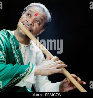 Hariprasad Chaurasia spielen Flöte, Indien, Asien Stockbild