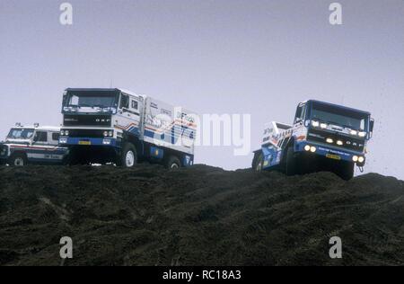 1986 DAF 3600 Turbo Twin und DAF 3300 Turbo 4x4 Paris Dakar Rally Trucks Stockbild
