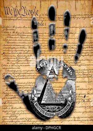 Eine Hand Drucken mit den USA Verfassung dahinter. Stockbild