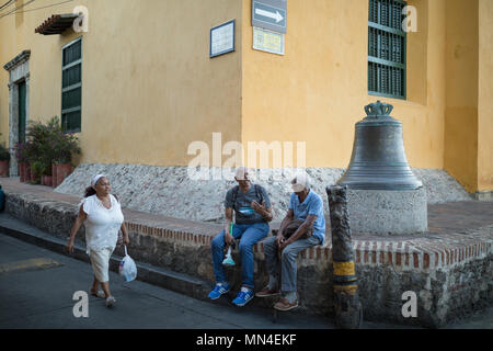 Die bunten Straßen von Plaza de Trinidad Getsemani, Cartagena, Kolumbien, Südamerika Stockbild