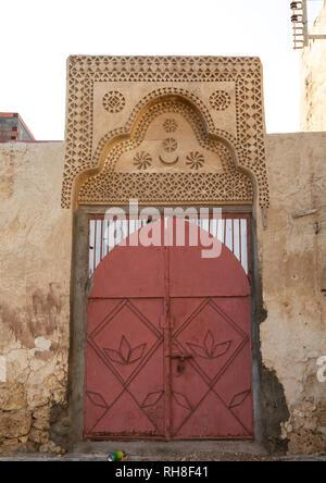 Tür Gips Dekoration eines farasani Haus, Rotes Meer, Farasan, Saudi-Arabien Stockbild