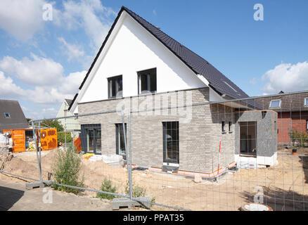Freistehendes Haus, Bau, Rohbau, Achim, Niedersachsen, Deutschland, Europa ich Einfamilienhaus, Baustelle, Rohbau, Achim, Niedersach Stockbild