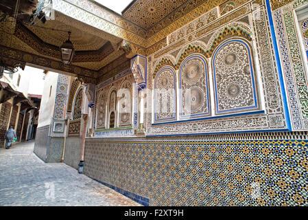 Die Außenwand des Moulay Hassan II - der Gründer der Fez - Mausoleum, in Fez, Marokko Stockbild