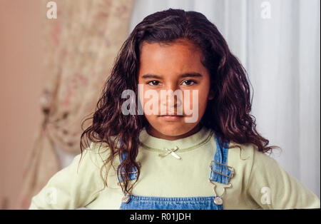 Junges Mädchen mit rebellischen defiant Ausdruck. Herr © Myrleen Pearson ....... Ferguson Cate Stockbild