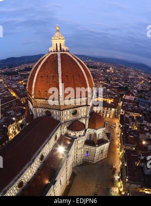 Dom am Abend gesehen von Giotto Turm, Florenz, Italien Stockbild
