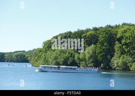 Ausflugsschiff, 5 Seen Tour, Dieksee, Bad Malente-Gremsmühlen, Malente, Schleswig-Holstein, Deutschland, Europa ich Ausflugsschiff, 5 Seen-Rundfahrt, Sterben Stockbild