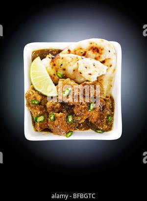 Rindfleisch curry mit Chill, Pfeffer und Kardamom. Stockbild