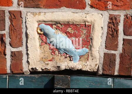 Historisches Wappen in der Altstadt, Leer, Ostfriesland, Niedersachsen, Deutschland, Europa ich Historisches Wappen in der Altstadt, Leer, Ostfriesland, N Stockbild