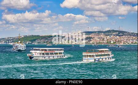 Boote auf dem Bosporus, Istanbul, Türkei Stockbild