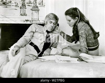 HARRY IN DER TASCHE 1973 United Artists Film mit Trish Van Devere und James Coburn Stockbild