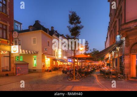 Die kaltenbachstraße mit alten Häusern, Saarbrücken, Saarland, Deutschland, Europa ich Kaltenbachstraße mit alten Häusern, Saarbrücken, Saarland, Deutschland, E Stockbild