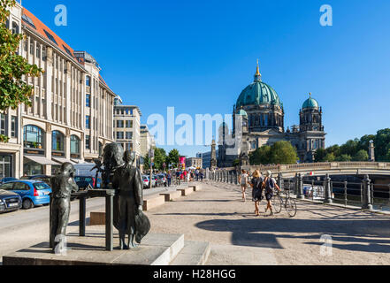 Berlin, Deutschland. Blick Richtung Spree und Berliner Dom (Berliner Dom) auf der Museumsinsel (Museumsinsel) von Stockbild
