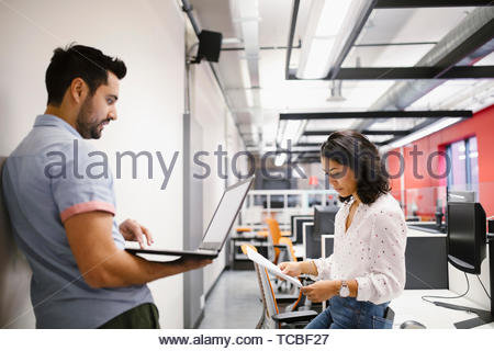 Geschäft Leute arbeiten, die Planung im Büro Stockbild