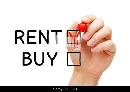 Hand rotes Häkchen auf Miete zum Ausdruck, die Wahl zu mieten, keine Immobilien, Grund und Boden oder anderen Eigenschaft zu kaufen. Stockbild