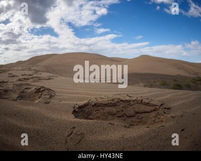 Malerische Aussicht der Wüste gegen blauen Himmel Stockbild