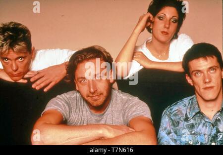 Neue Bestellung Werbefoto der englischen Gruppe über 1981 Von links: Gerald Sumner, Peter Hook, Gillian Gilbert, Stephen Morris Stockbild
