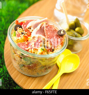 gekochtes Fleisch und Thunfisch Taboulé Stockbild