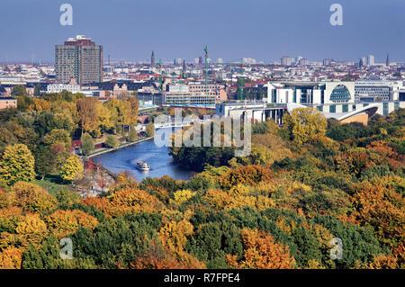Blick von der Siegessäule über den Tiergarten, die Spree, Bundeskanzleramt, Berlin, Deutschland Stockbild