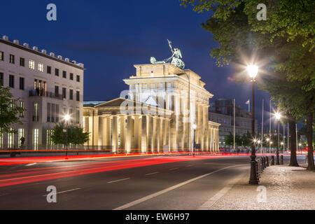 Brandenburger Tor in der Dämmerung, Berlin Stockbild