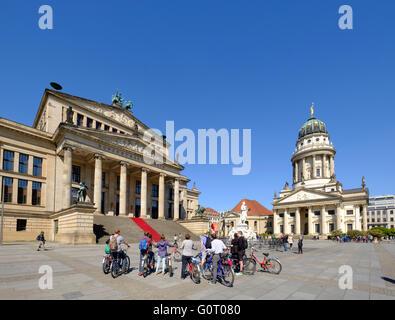 Ansicht der Gendarmenmarkt mit Konzerthaus Quadrat auf der linken Seite in Mitte Berlin Deutschland Stockbild