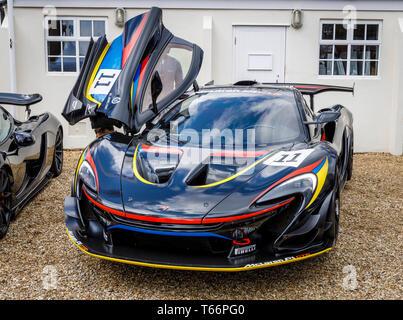 McLaren P1 GTR James Hunt Sonderausgabe am 77. Goodwood GRRC Mitgliederversammlung, Sussex, UK. Stockbild