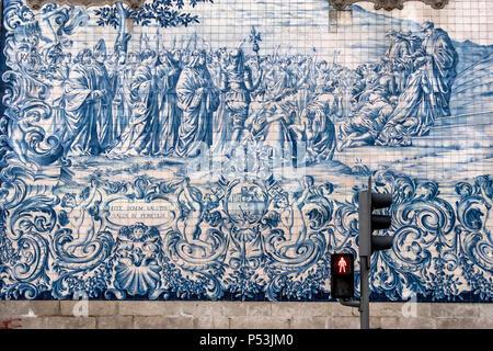 Do Carmo Kirche, Azulejos, bemalten Kacheln, Porto, Portugal Stockbild