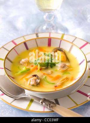 Muscheln-Suppe in Cari-Sauce Stockbild
