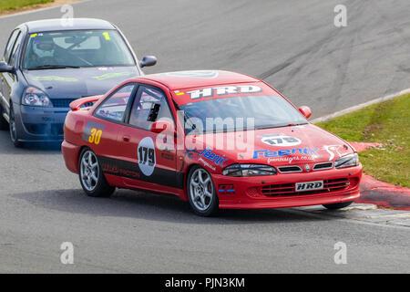 1997 Proton Persona GTi Coupe, Klasse D, mit Fahrer Richard im CSCC Tin Tops Rennen in Snetterton, Norfolk, Großbritannien. Stockbild