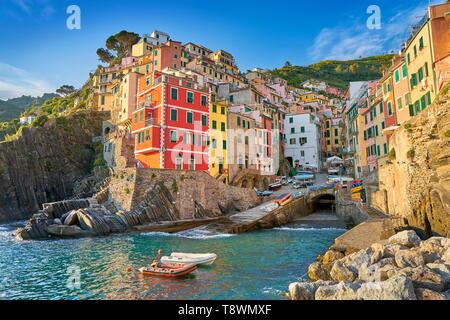 Riomaggiore, Riviera de Levanto, Cinque Terre, Ligurien, Italien Stockbild
