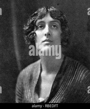 VITA SACkVILLE WEST (1892-1962), englischer Schriftsteller und Dichter in 1924 Stockbild