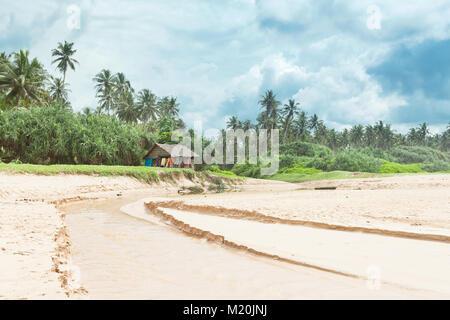 Balapitiya, Sri Lanka, Asien - Traditionelle leben am Strand Stockbild