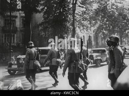 Deutsche Armee Patrouille in Berlin während der NS-Partei-Spülung der Sturmabteilung (SA) Führung. Stockbild