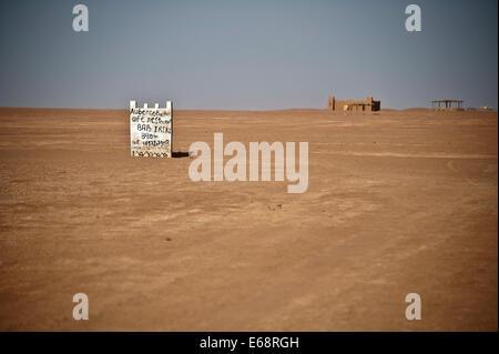 """""""Auberge Iriki"""" auf See Iriki ausgetrocknet; Sahara; Südmarokko Stockbild"""
