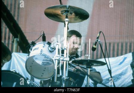 OASIS UK Rock Gruppe mit Schlagzeuger Alan White im Juni 1997 Stockbild