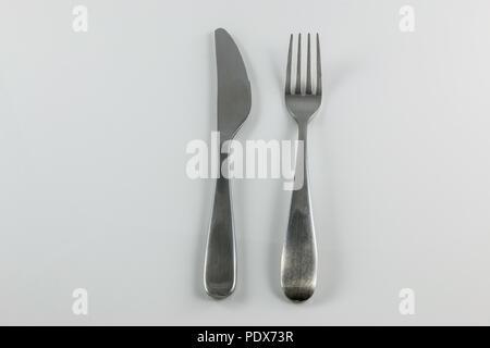 Stahl Besteck mit Messer und Gabel Stockbild
