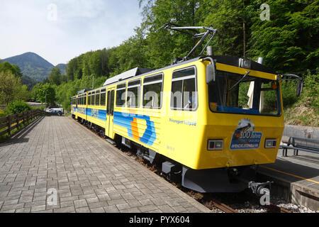 Wendelsteinbahn, Zahnradbahn iin der Talstation, Wendelstein, Oberbayern, Bayern, Deutschland, Europa Stockbild