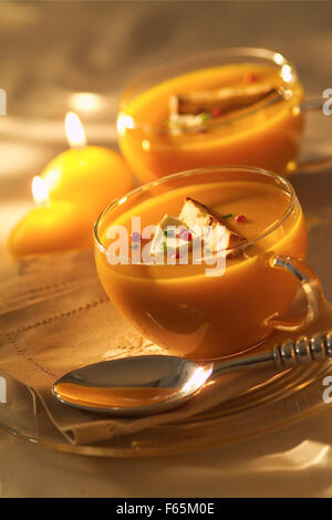 Squash-Suppe (Thema: Provence) Stockbild
