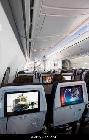 Frankreich, Val d'Oise, Roissy en France, Charles-de-Gaulle, Boeing 787 Dreamliner von Air France, Economy Kabine Stockbild