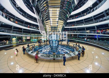 Reichstag Glaskuppel in Berlin, Deutschland. Stockbild
