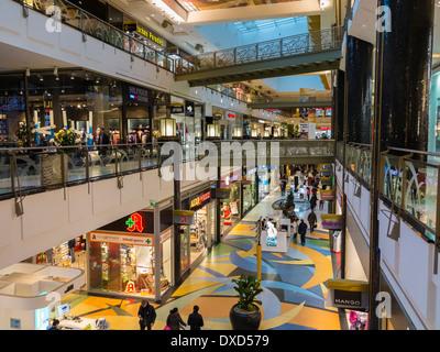Die Alexa Mall, Shopping Mall, Einkaufszentrum in Berlin, Deutschland, Europa Stockbild