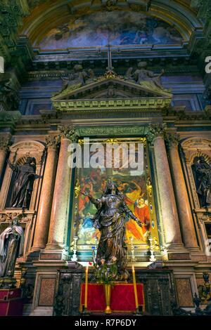 Italien, Kampanien, Neapel, historischen Zentrum als Weltkulturerbe von der UNESCO, die Kathedrale Santa Maria Assunta oder Duomo di Napoli, der Kathedrale von Stockbild