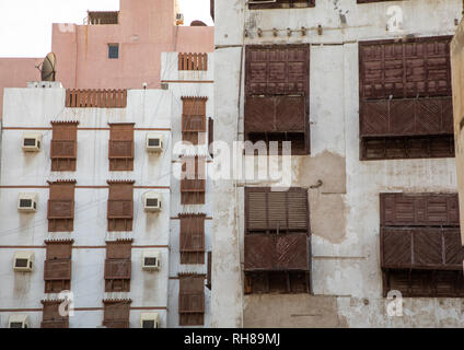 Altes Haus mit Holz- mashrabiya in al-Balad Viertel, Mekka Provinz, Jeddah, Saudi-Arabien Stockbild